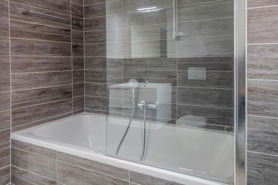 Installerat klassiskt badkar