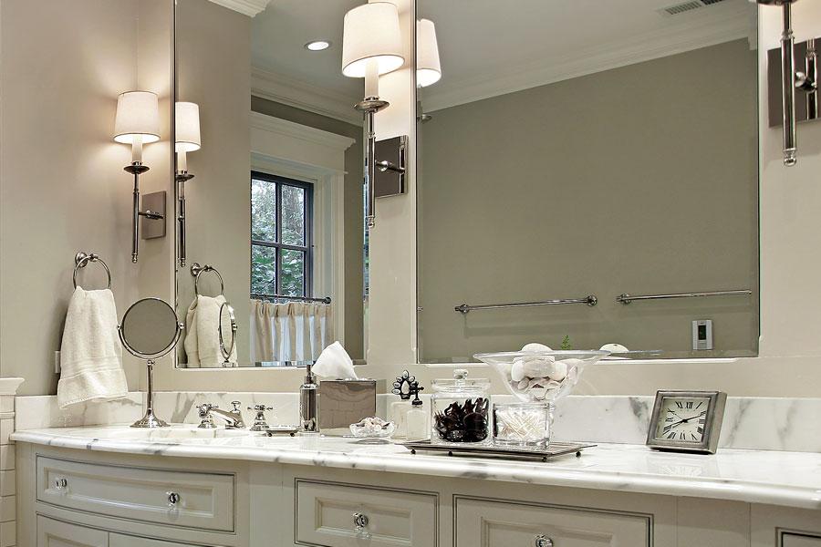 Banlskiva i badrum av marmor