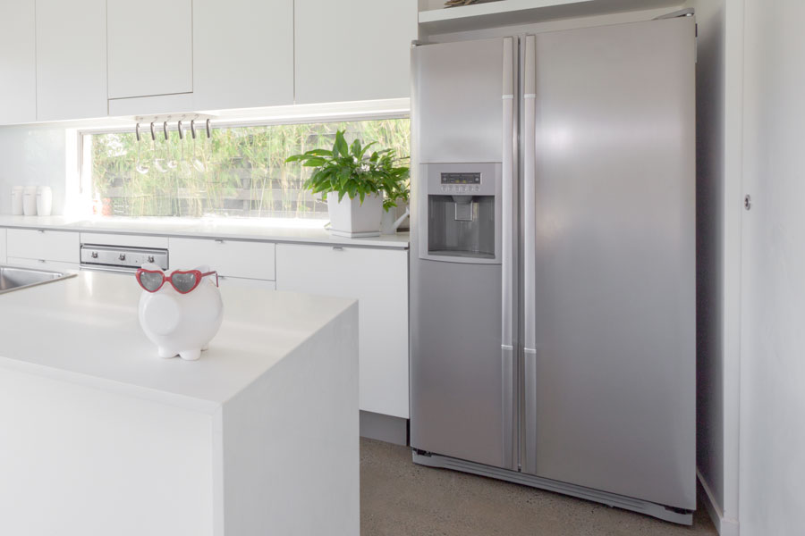 Välja fristående kylskåp i borstad aluminium