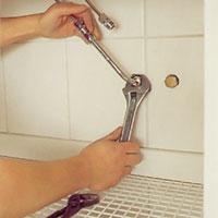 Anslut till tvättställsblandarens rör