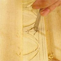 Själva pilspetsen skär du ren med en lämplig skölp