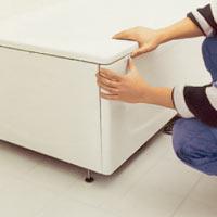 Gör eventuella finjusteringar på badkaret och sidoplåtarna