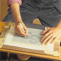 Tejpa monogrammet över karbonpapper