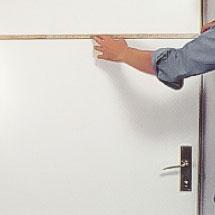 Viktiga mått när du sätter en ny innerdörr i en gammal karm är dörrbladets bredd.