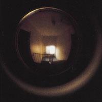 En dörrkik gör att du kan se vem som ringer på dörren