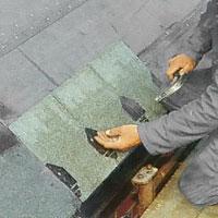 Fotplattor och shingel kan läggas från en taksida