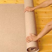 Lägg grå lumppapp under masoniten om golvet är ojämnt.