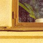 Vid renovering är det viktigt att hörnbeslag av äldre modell ersätts med beslag av samma typ