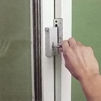 Låssystemet kan låsas med valfri nyckel