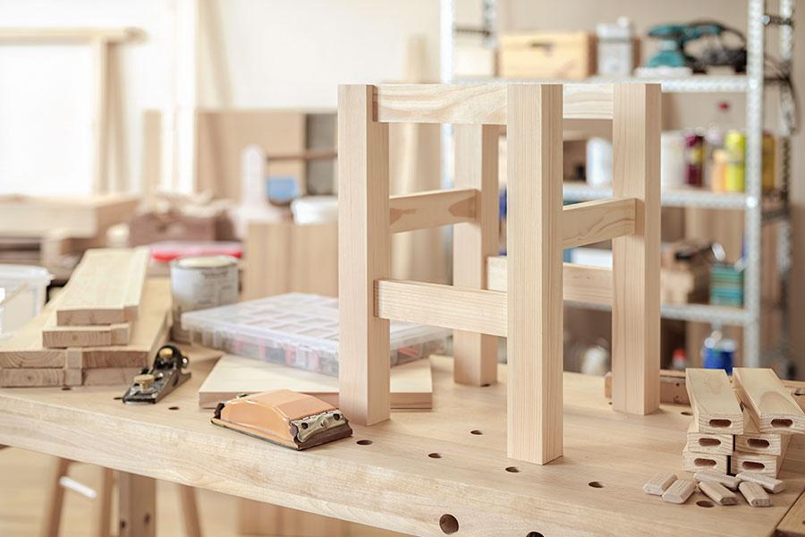 Stol monterad med tappfog