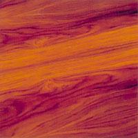Träet får genom behandlingen en vacker matt yta.