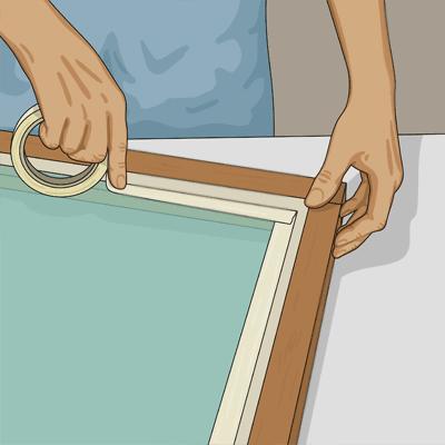 Tejpa fönsterglaset med maskeringstejp innan du målar fönsterbågen