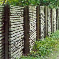 Man Kan även använda slanor av gran till staket