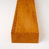 Puna är ett rödaktigt träslag som kommer från Västafrika.