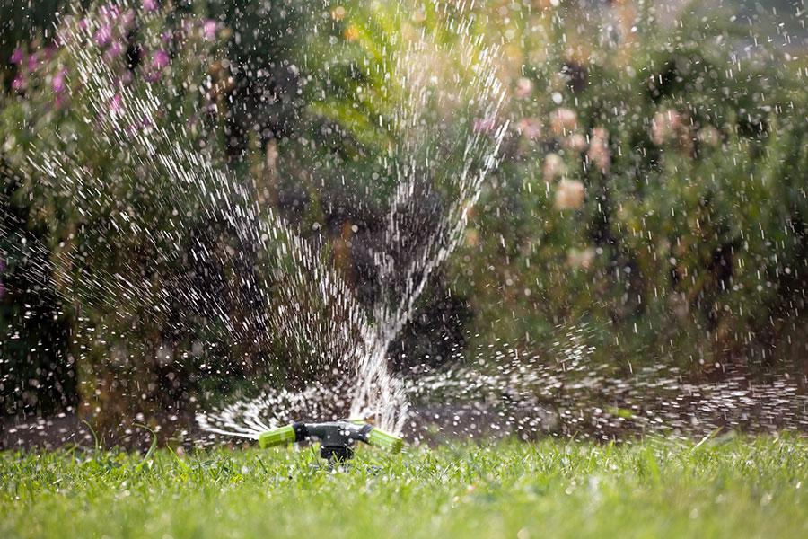 Roterande vattenspridare