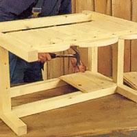 Spika sen övrig panel invändigt i lådan.