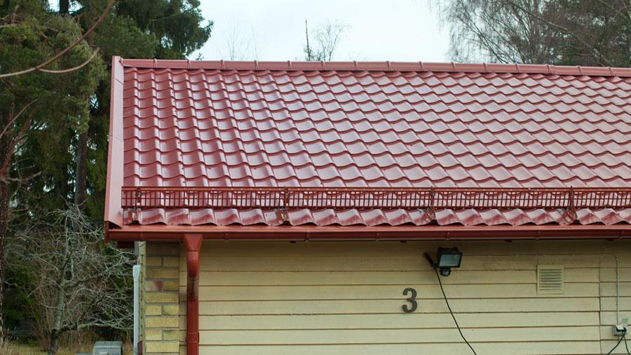 Tegelröd takpanneplåt