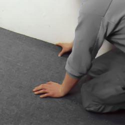 Utgår med mattan från väggen