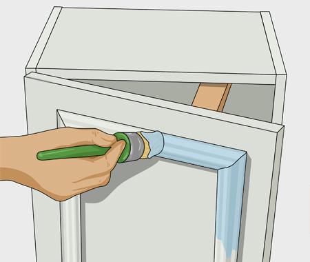 Sätta dekorlist och måla köksluckor. bild 6