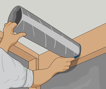 Innan taket reglas måste du montera röret till takventilen