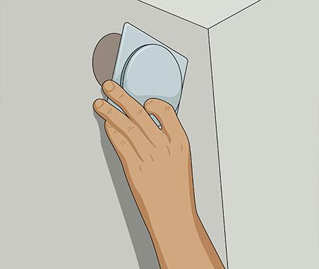 På bastuväggens utsida kan du sen dölja urtaget med passande ventil