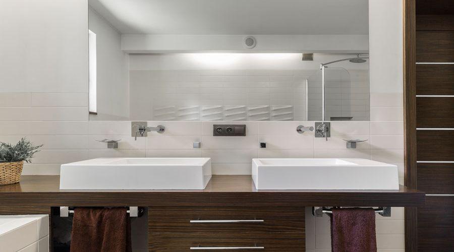 badrumsspegel-och-badrumsinredning.jpg
