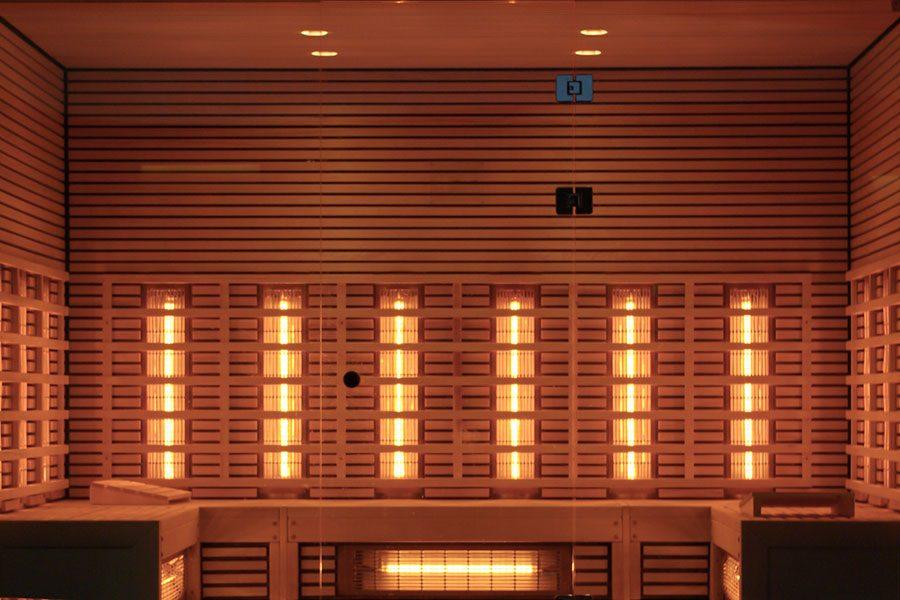 infrarod-bastu-med-flera-sittplatser.jpg