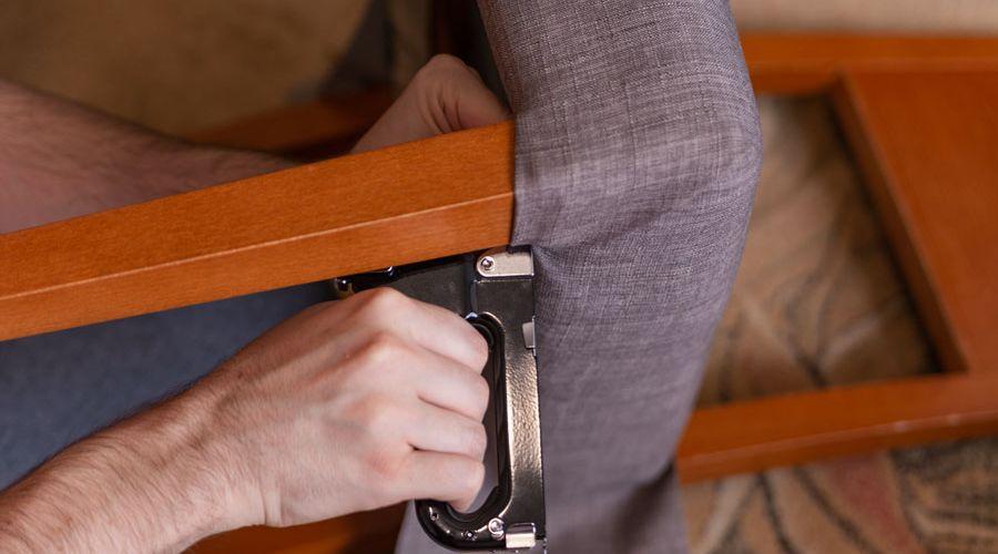mobeltapetserare-klar-om-stolsdyna.jpg