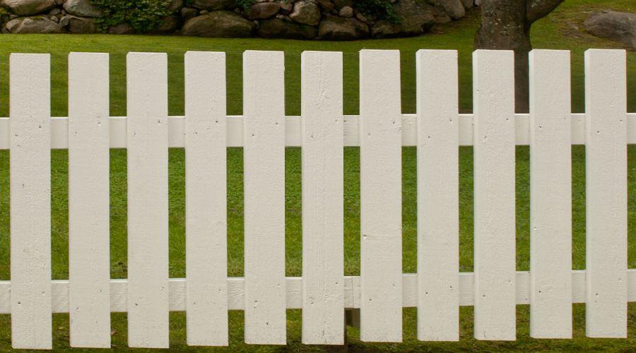 nybyggt-staket-med-spjalor.jpg